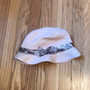 Accessories - Paper straw hat with a bow